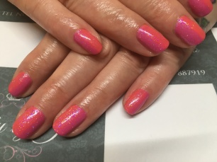 CND Shellac in Tropix and Hot Pop Pink blended together and topped with Ink London's 'Bonnie' mermaid pigment.